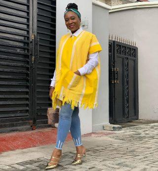 This whole look 💯  👗: @ako_africa  💼: @houseofdotshop  📸: @rhodaebun  #fashionablewomen #fashionstylist #fashionstylistlife #whattowear #whatoweartoday #nigeriandesigner #madeinnigeria #madeinnigeriabrands #madeinnigeriabags #stylishblackwomen