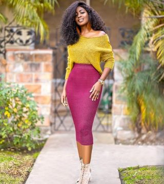 It's the colour blocking for us🔥  📸: stylepantry.com  #colourblock #colourblocking #fashion #fashiondesigner #stylepantry #melaninblogger